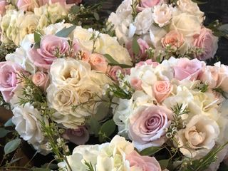 A Fashionable Flower Boutique 4