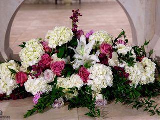 Venia Floral and Event Design 2