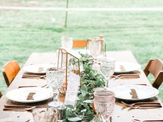 Barnes Handcrafted Farmhouse Tables 1
