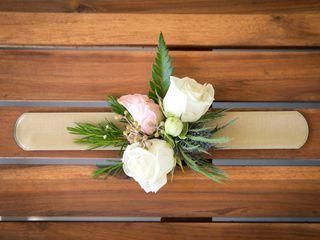 Lilac Floral Decor 3