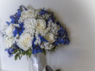 Alfa Flower & Wedding Shop 3