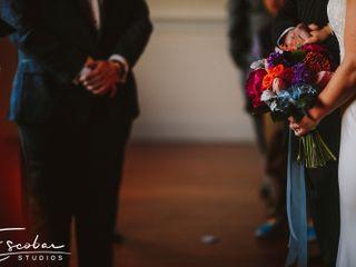 Fiore Fine Flowers 3
