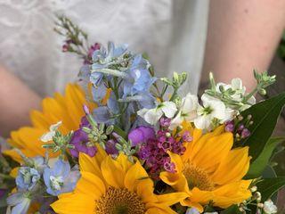 IQ Floral Designs 1