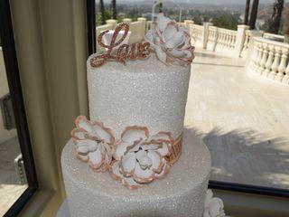 ARTISTIC CAKES 6