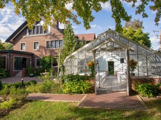Cheney Mansion 4