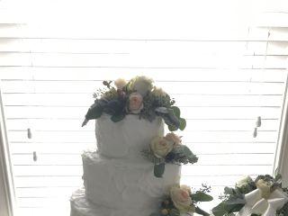 Patricia's Weddings and Custom Cakes 4
