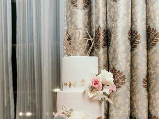 Holly's Cakes LLC 1