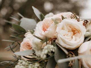 Sweetleaf Floral 1
