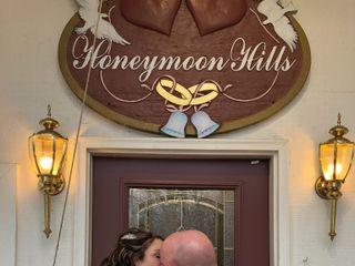 Honeymoon Hills Gatlinburg Cabin Rentals 7