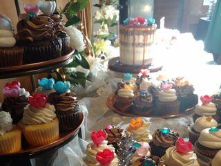 LaLa Custom Cake 3