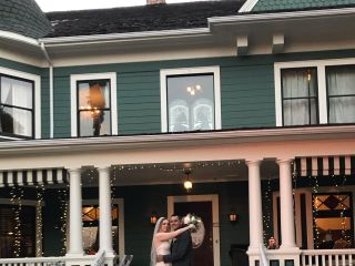 Christmas House Inn & Gardens 1