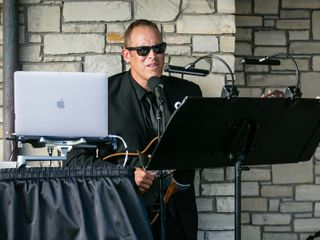 DJ & MUSICIAN Pete Goslow 3