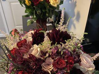 Awesome Blossom Floral Design 2