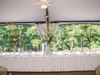 Mountain Oak Florist and Design 6