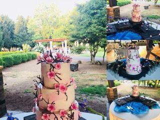 Custom Cakes 3
