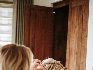 Gloss Makeup and Hair 5