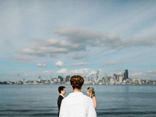 Annemarie Juhlian, Seattle Wedding Officiant & Minister 1