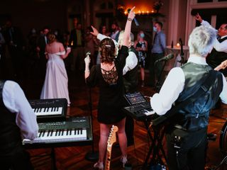 KUDMANI - Louisville Wedding Band 1