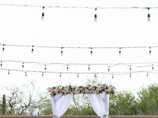 LUX Wedding Florist 4