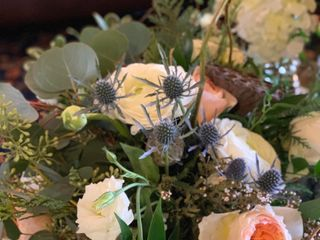 Amore Fiori Flowers and Gifts 2