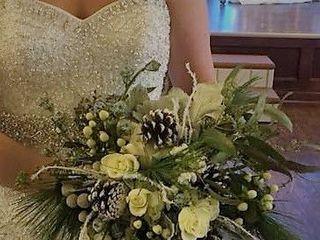 Heidi's Hobbies Floral & Gifts 4