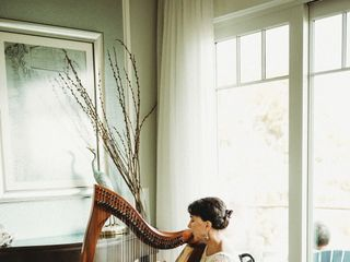 Mary King – Harpist 1