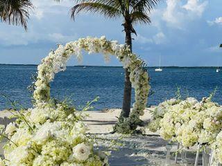Tropic all Blooms n' More 1