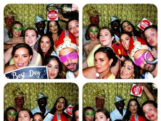 Kiss Me Photo Booth - Keys Island Services for Marriage and Events 1