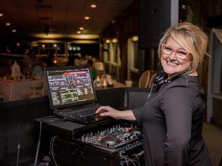 Our DJ Rocks 7
