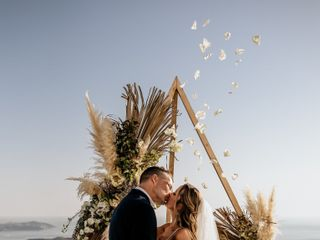 Tie the Knot in Santorini - Weddings & Events 6