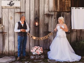 Tennessee Tiny Weddings with Julie and James Tucker 1