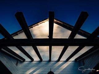 The Graeagle Corner Barn 1