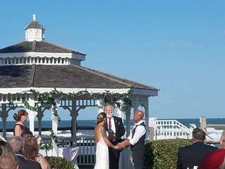 Coral Sands Inn & Seaside Cottages 1