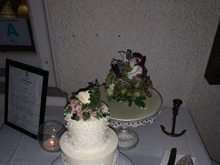 Bloom Custom Cakes 4