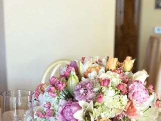 800ROSEBIG Wholesale Wedding Florist 1