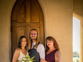 Hand Heart and Crown Weddings 1
