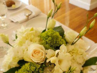 Artsy Flora Floral Boutique 5