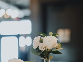 Lizzie Bee's Flower Shoppe 4