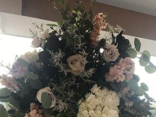 Rhonda Nichols Floral Design Studio 7