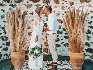Tie the Knot in Santorini - Weddings & Events 4