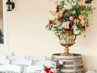 Holiday House Weddings and Events 5
