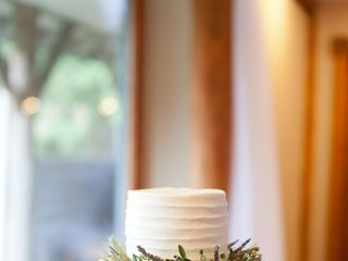 Sweet Promises Wedding Cakes 6