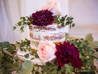Sugarbuzz custom cakes 3