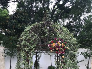Black Petal Floral Design 7