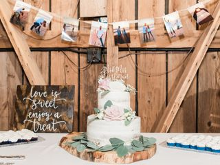 Lesley's Creative Cakes, Flowers & Catering 6