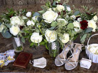 Lavender & Lace Wedding Florist 1