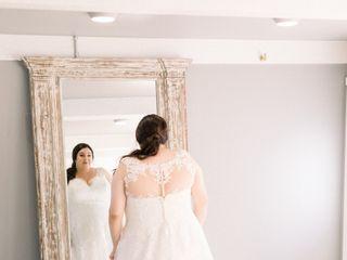 Della Curva (Plus-Size Bridal Salon) 3