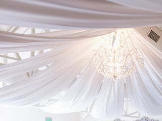 LUX Wedding Florist 5