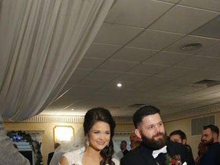 The Chandelier at Flanders Valley Weddings 7