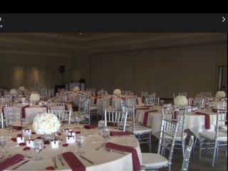 $4 GOLD Chiavari Chair Rentals 3